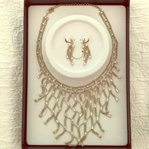 Dangly Necklace and Earring Set